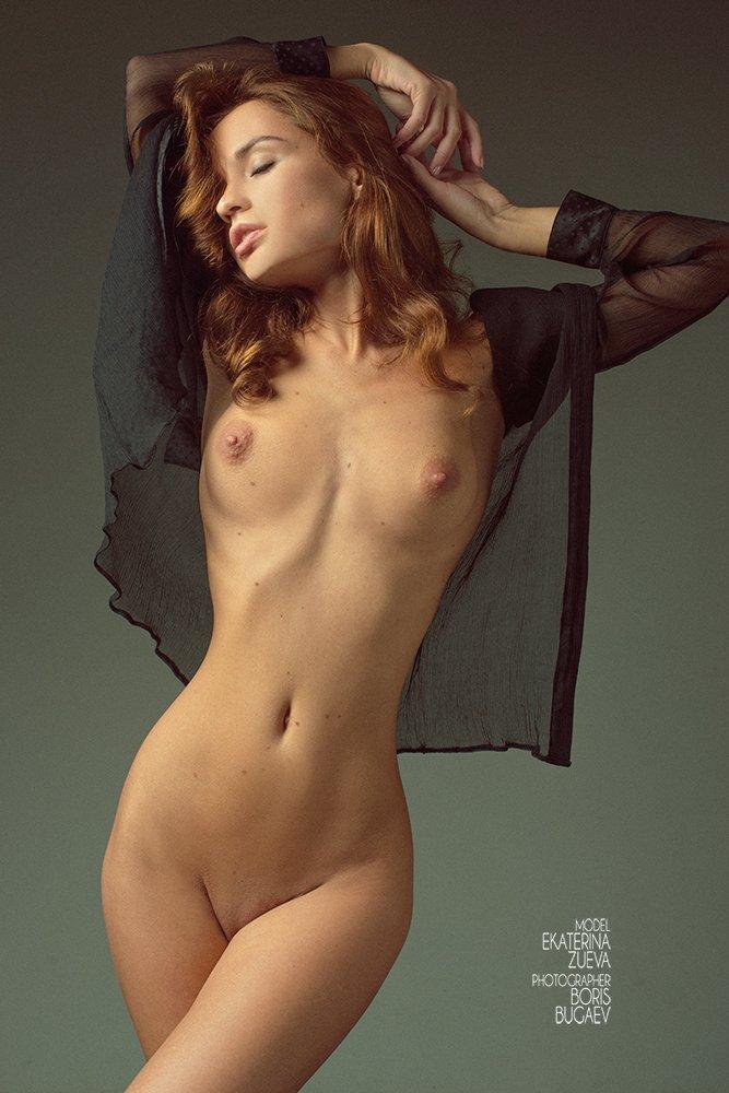 Alyssa milano embrace of the vampire photo shoot only